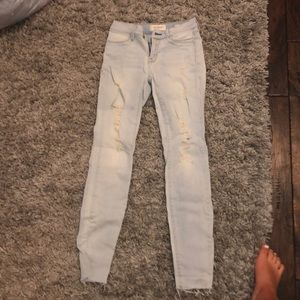 Pacsun light wash ripped ankle jegging